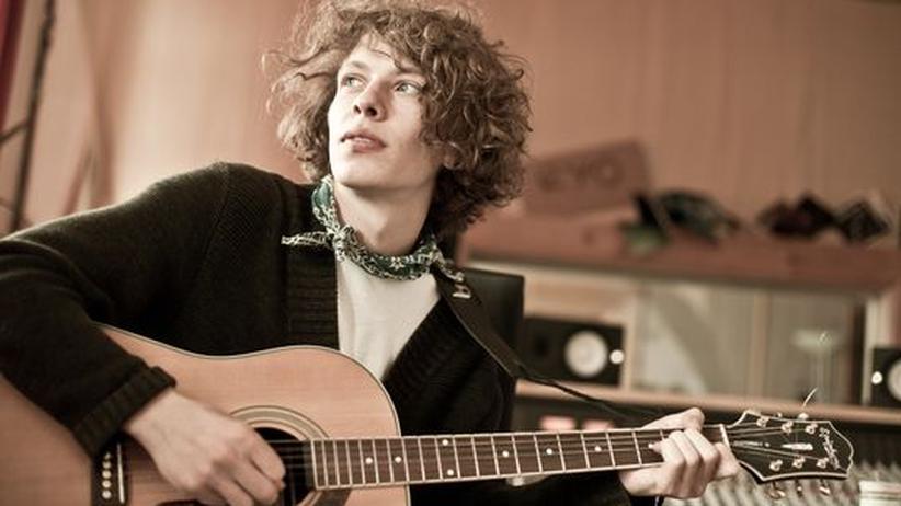 Popsänger Max Prosa: Mit dicken Dylan-Locken: der Sänger Max Prosa