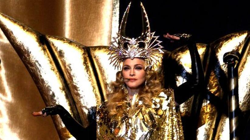 Popfigur Madonna: Die Vampirkönigin beim Super Bowl, Februar 2012