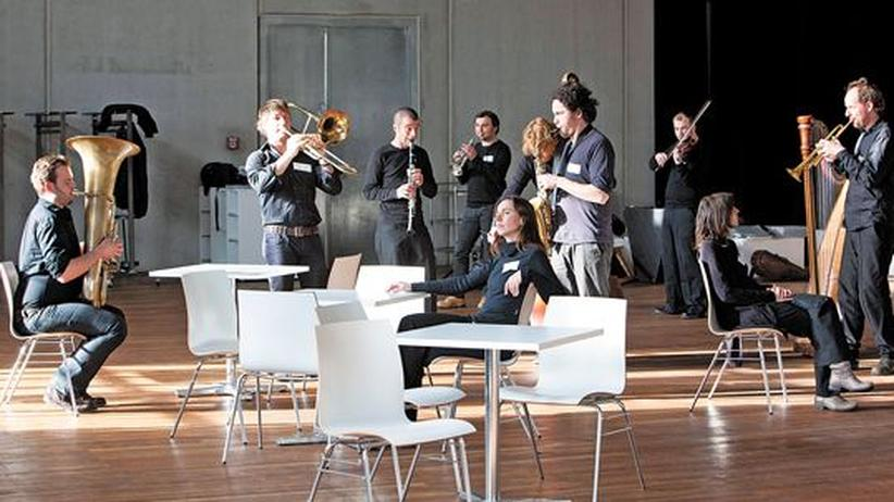 "Musikensemble ""Franui"": Die zehnköpfige Musicbanda Franui im Radialsystem in Berlin"