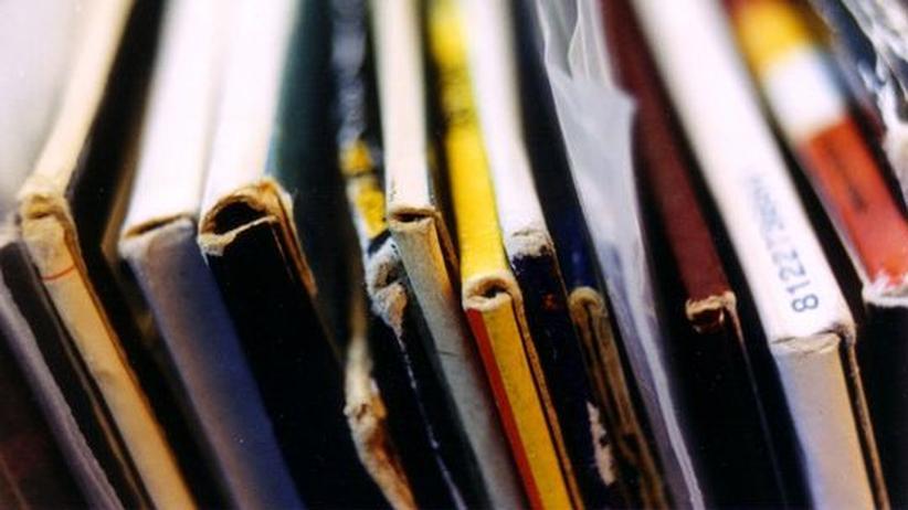 Popkritiker Simon Reynolds: Die Ausstellung der Plattensammlung im Wohnzimmer versprach Distinktionsgewinn. Heute verschwindet die Musik auf Festplatten oder in Wolken.