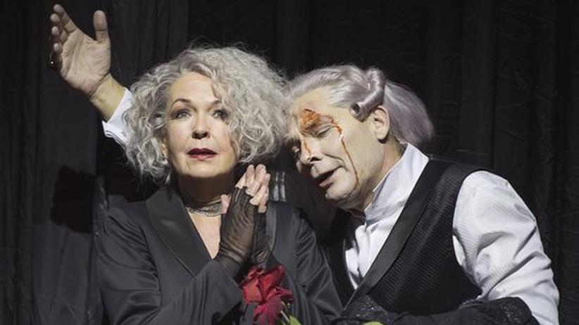 """Werktreue in der Oper: Elisabeth Trissenaar und Markus Boysen in Hans Neuenfels' """"Pforten der Liebe"""""""