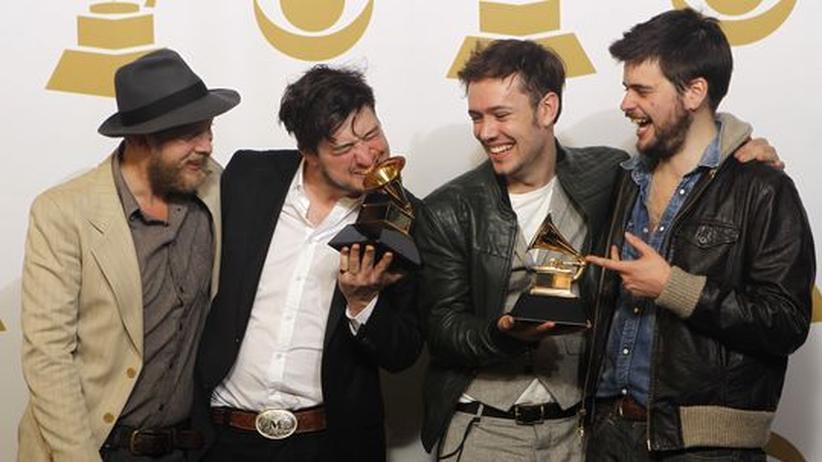 Musikpreise: Die Band Mumford & Sons mit ihren Grammys