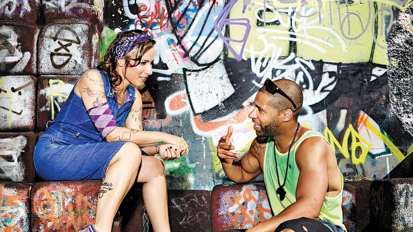 Rapper Megaloh und Sookee: Sookee und Megaloh auf einer Skateranlage in Berlin-Marienfelde