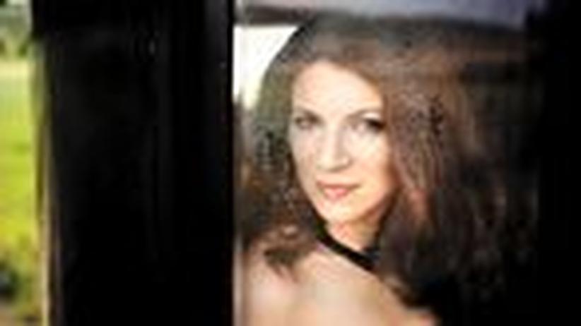 """Art But Fair: """"Mir geht es darum, Transparenz zu schaffen"""", sagt die Mezzosopranistin Elisabeth Kulman."""