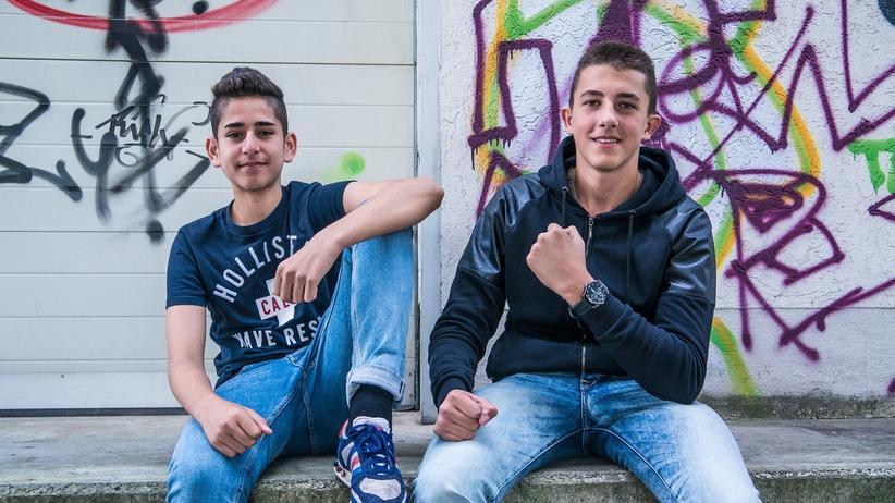 """Kamyar & Dzeko: """"Deutsch so wie Du"""": Kamyar und Dzeko (von links) sind 15 Jahre alt und kommen aus Fulda."""