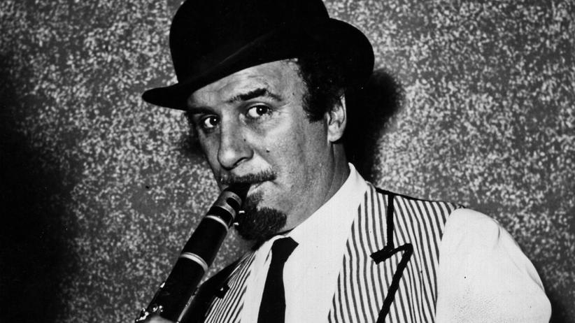 Der Jazzmusiker Acker Bilk auf einem Archivbild
