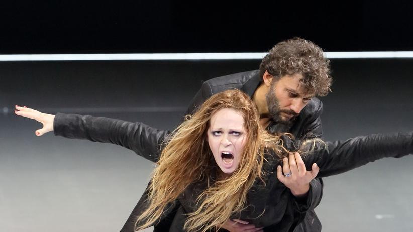 "Oper ""Manon Lescaut"""