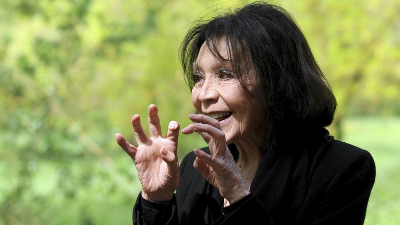 """Juliette Gréco: """"Ich verstecke mich unter dem Schwarz"""""""