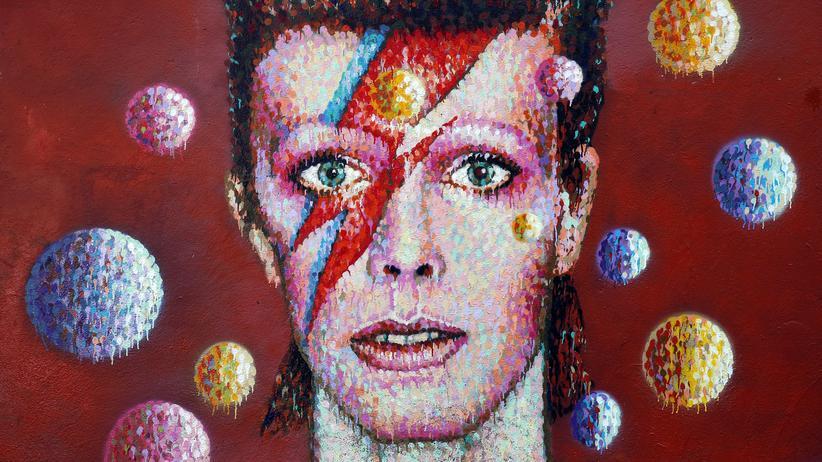David Bowie: Ein Wandbild im Londoner Stadtteil Brixton zeigt David Bowie als Ziggy Stardust.