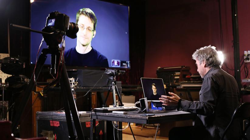 Edward Snowden: Hui, buh, das Internet!