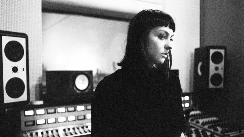Angel Olsen: Wer unten im Brunnen sitzt, braucht einfach nur eine Leiter: die Musikerin Angel Olsen.