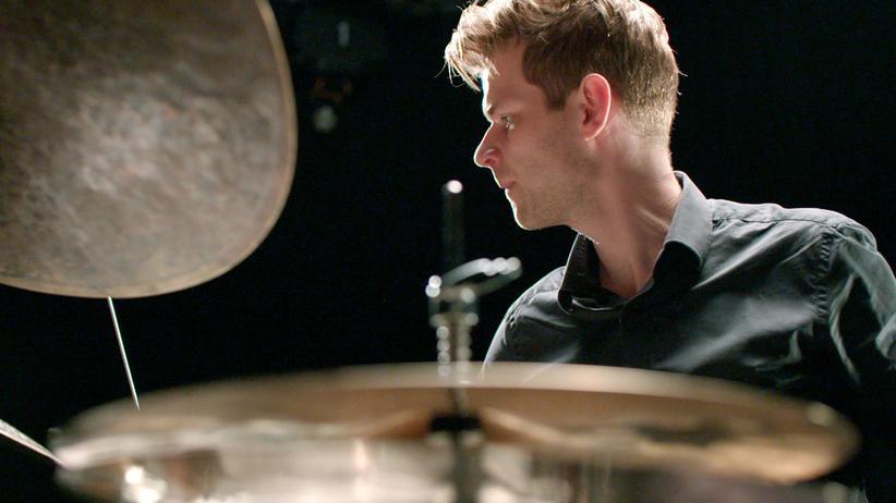 Christian Lillinger: Christian Lillinger in seinem Instrument