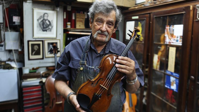 Amnon Weinstein: Amnon Weinstein besitzt 66 Geigen, die an den Holocaust erinnern. Das Erbe fiel ihm von seinem Vater zu.