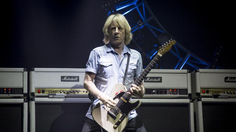 Status Quo: Rick Parfitt bei einem Auftritt von Status Quo auf dem Isle Of Wight Festival 2016 in England