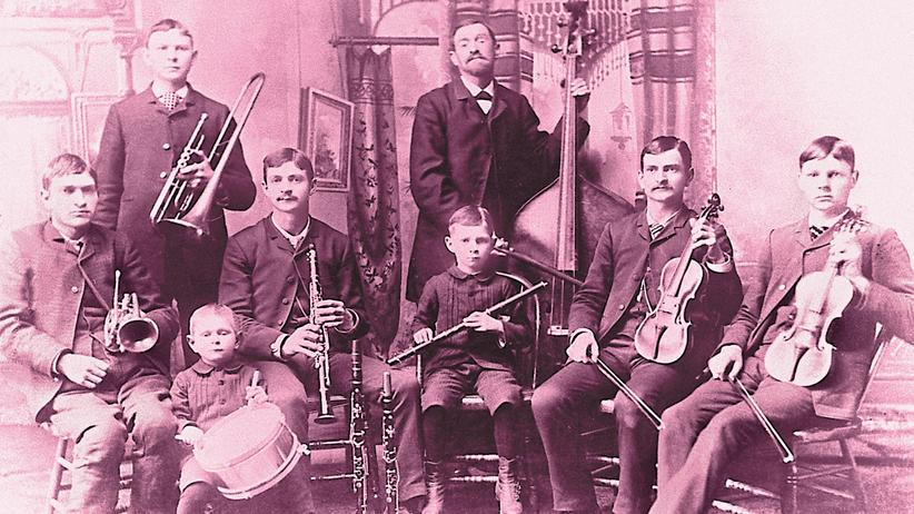 Migration: The Bach Band, 1887: Vater August Reinhold (am Kontrabass) war als 12-Jähriger nach Michigan emigriert.