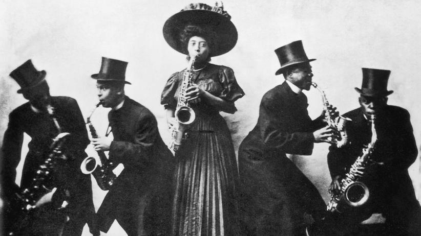 Musikgeschichte: Um 1900 gehörte der Jazz den schwarzen Arbeitern und den Nachfahren der Sklaven.