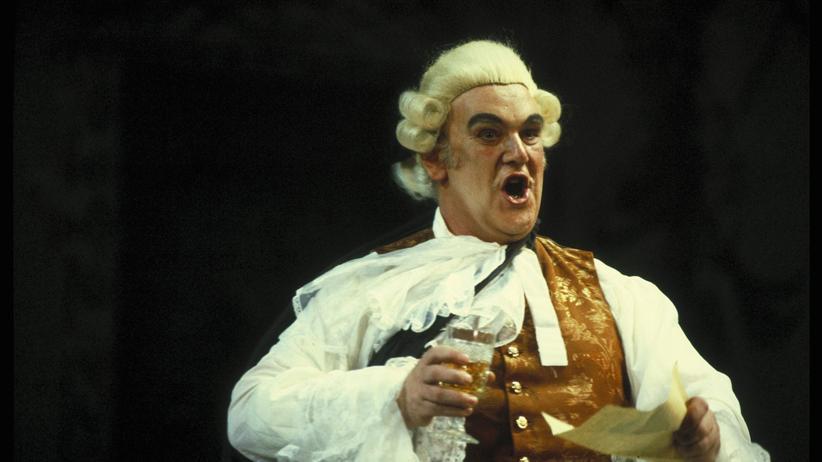 """Bayerische Staatsoper: Kurt Moll im Jahr 1985 in """"Der Rosenkavalier"""""""