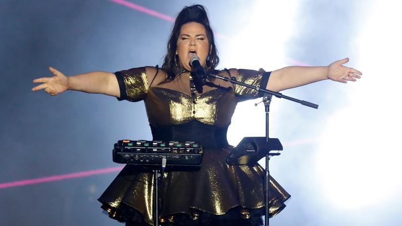 Eurovision Song Contest: Im Zentrum einer antisemitischen Kampagne: die israelische Kandidatin Netta Barzilai mit ihrer Loop Station, die sie beim ESC leider nicht benutzen darf.