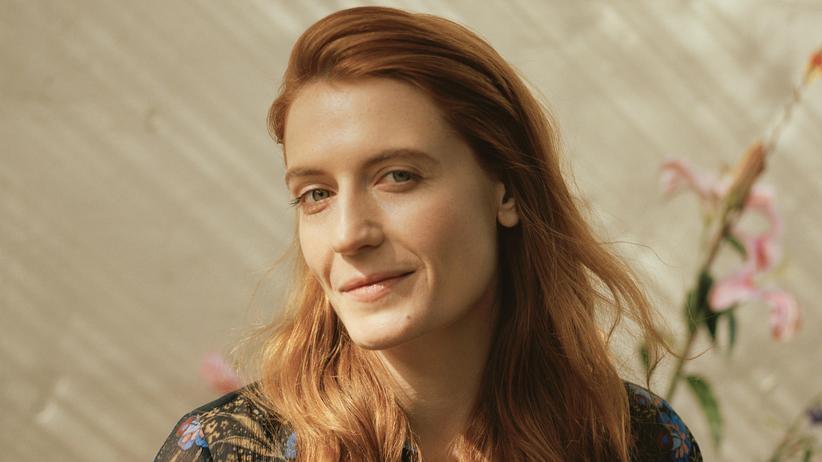 """Florence Welch: Sechs Millionen Alben verkaufte Florence Welch bislang – gerade ist ihr neues Werk """"High as Hope"""" erschienen."""