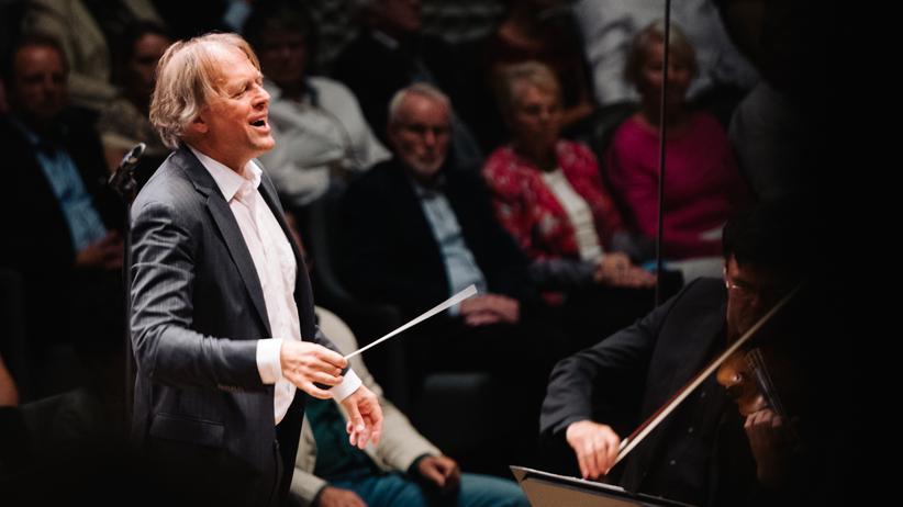Thomas Hengelbrock: Thomas Hengelbrock während einem seiner letzten Konzerte in der Elbphilharmonie