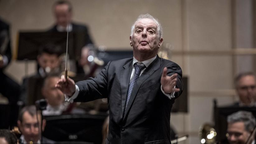 Vertragsverlängerung: Vertrag verlängert: Der Dirigent Daniel Barenboim soll bis 2027 an der Berliner Staatsoper bleiben.