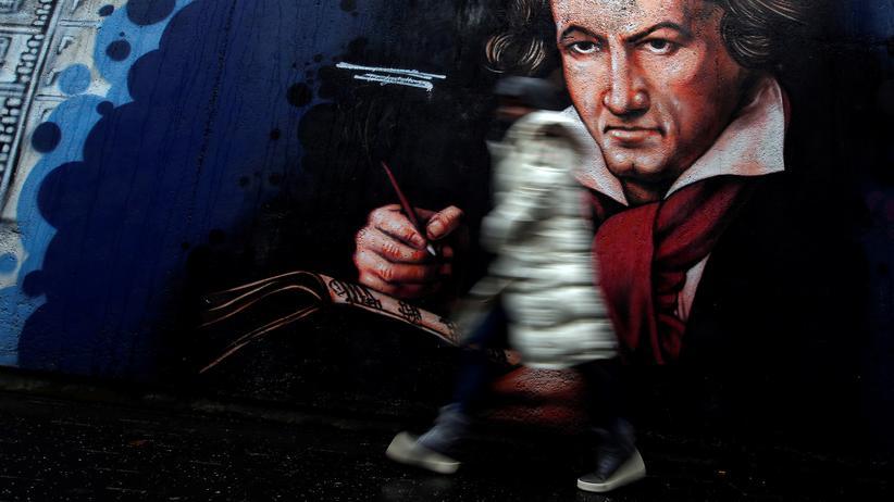 Beethoven-Jahr: Ein Wandbild von Ludwig van Beethoven in einem Fußgängertunnel in Bonn
