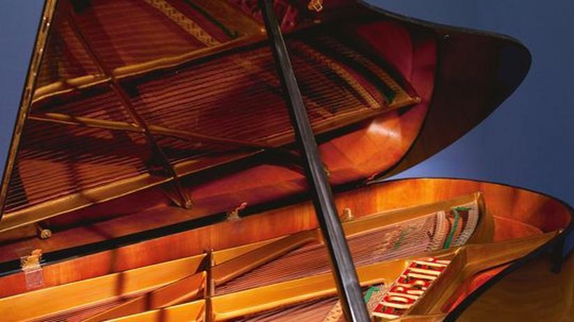 Historische Musikinstrumente: Sollte die amerikanischen Steinways übertönen: der Förster Quattrochord Superflügel