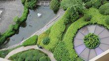 Ein Dachgarten auf einem Fünf-Sterne-Hotel in Singapur