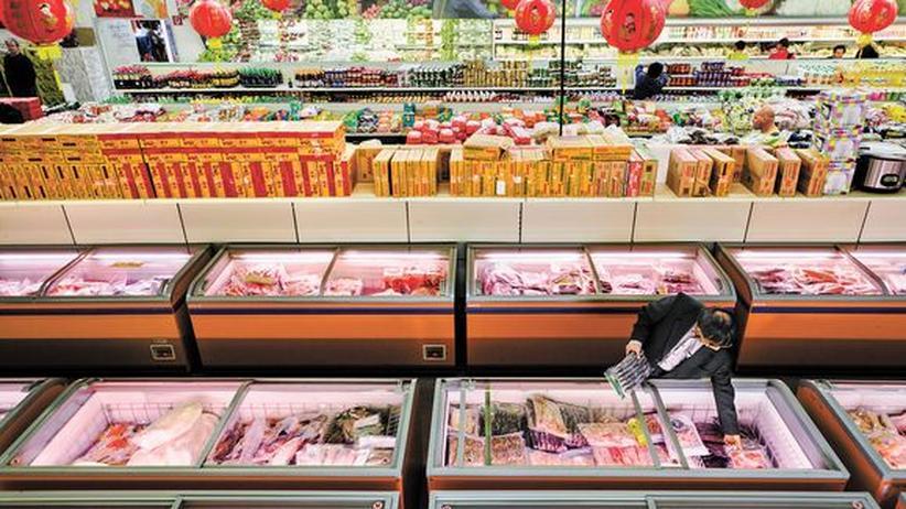 Dong Xuan Center: Der Supermarkt Achau24 im Dong Xuan Center versorgt Vietnamesen mit Rambutans, Zimtäpfeln oder Schweineohren.