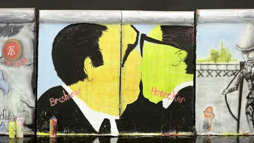 Schoko-Kunst: Das ist doch... Nein, eben kein Rest der Berliner Mauer, sondern deren naturgetreue Nachbildung aus Schokolade