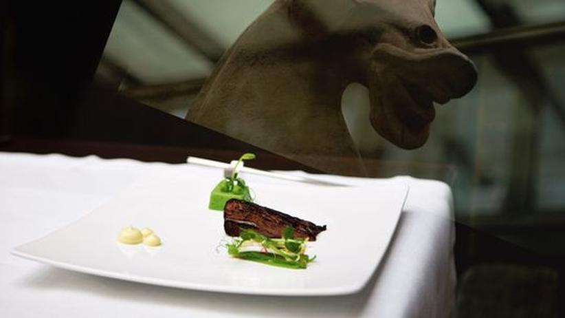 Siebeck: Kochen als große Kunst: Thunfischbacke mit Erbsencreme