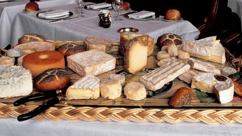 """Traditionen: Das Pariser Restaurant """"Le Train Bleu"""" bietet seinen Gästen eine riesige Käseauswahl"""