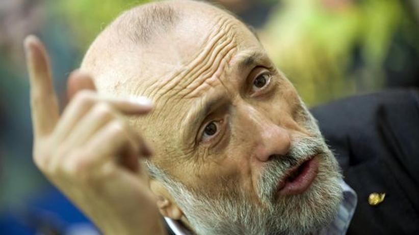 """Slow Food: Slow-Food-Gründer Carlo Petrini:""""Es muss Schluss sein damit, dass Großhändler am meisten und Bauern kaum etwas verdienen"""""""