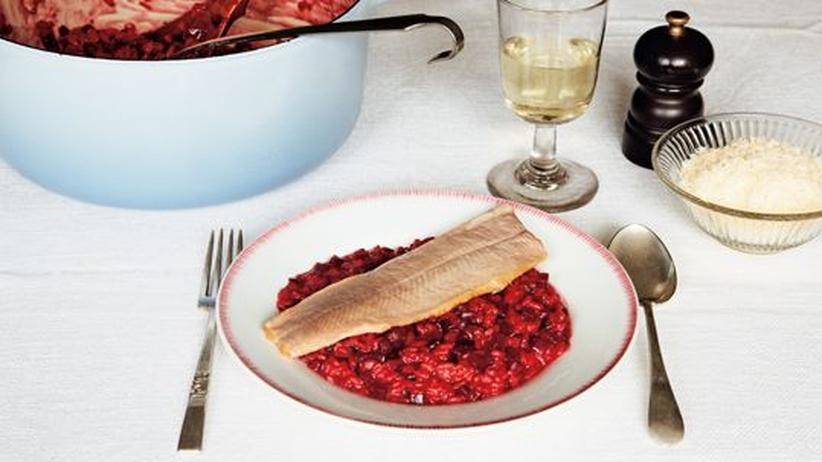 Wochenmarkt: Rote-Bete-Risotto mit geräucherter Forelle