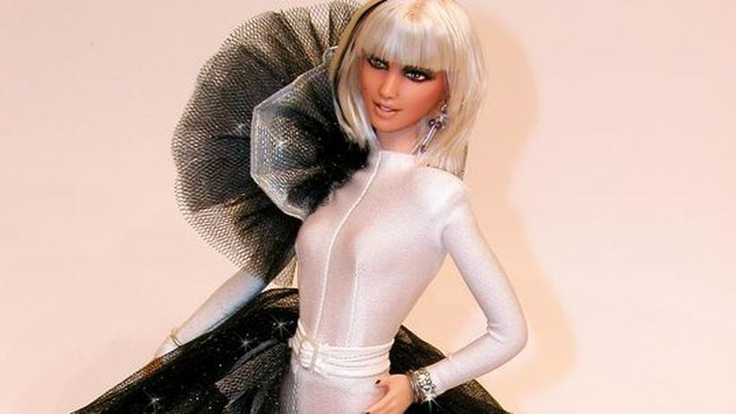 Puppen: Lady Gaga sieht oft aus wie eine Kunstfigur. In diesem Fall ist sie wirklich eine