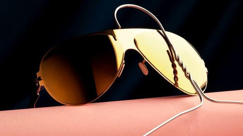 """Stilkolumne: Die Welt sieht Carrie durch diese Brille: Das Modell """"Franz"""" von Mykita ist schon jetzt ein Klassiker, 299 Euro"""