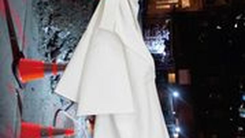 Stilkolumne: Kleid von Akris, 1900 Euro