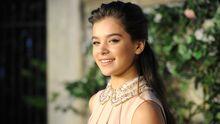 Die 15-jährige Jungschauspielerin Hailee Steinfeld bei einer Veranstaltung des Modelabels MiuMiu im Juli 2011