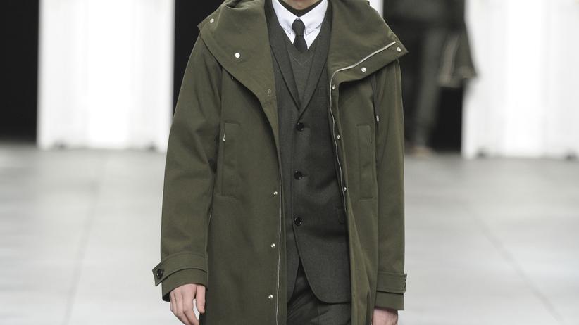 Männermode: Der Held trägt Leder oder Dunkelgrün
