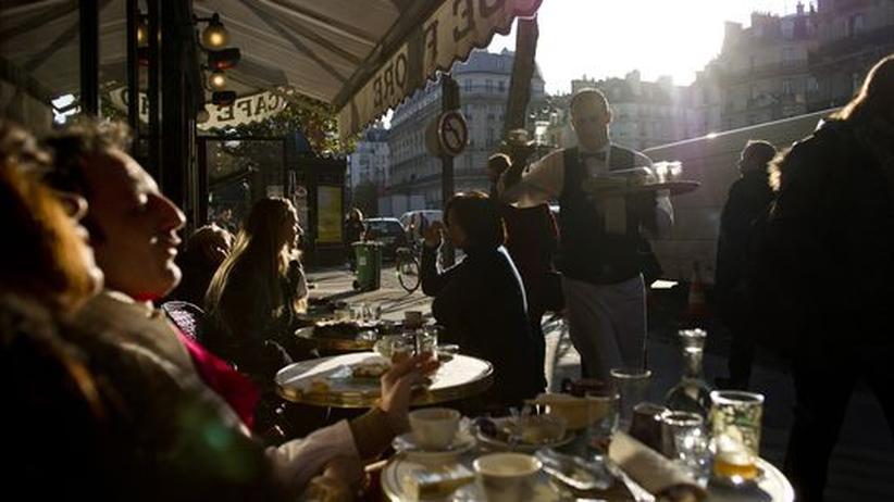 Haute Couture Schauen: Paris erleben zwischen Defilee und Biskuit