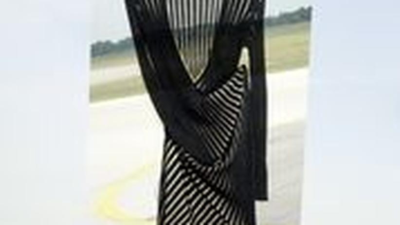 Stilkolumne: Jetzt kommt einem in der Mode nichts mehr quer: Kleid von Akris für 2050 Euro