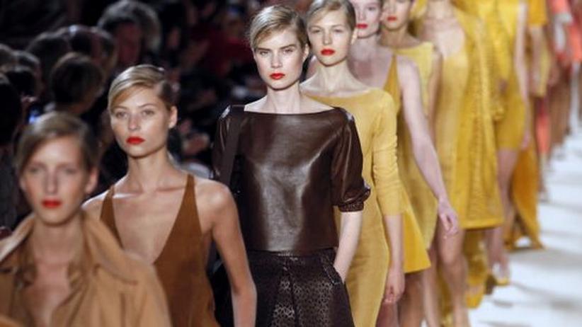 Akris designer albert kriemler minimalismus kann extrem for Minimalismus extrem