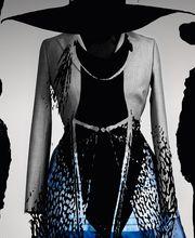 Schlapphütiger Rock-Schick, wie er Saint Laurent Paris vorschwebt, und ein strenges Blazerkleid von Dior