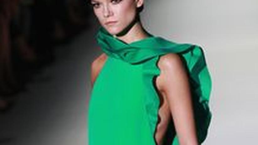 Trendforschung: Ein smaragdgrünes Kleid aus der Gucci-Kollektion für Sommer 2013