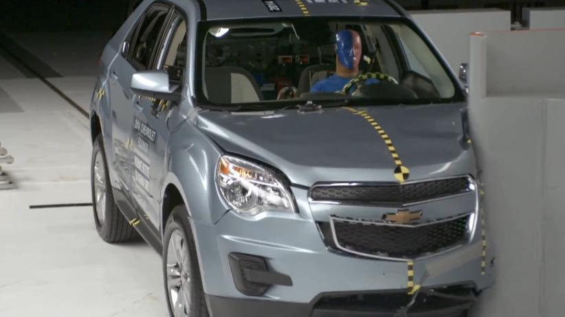 SUV-Crashtest: Frontalaufprall mit geringer Überlappung
