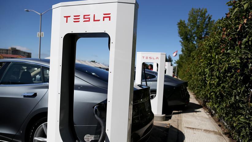 Elektroauto: Teslas großherziger Eigennutz