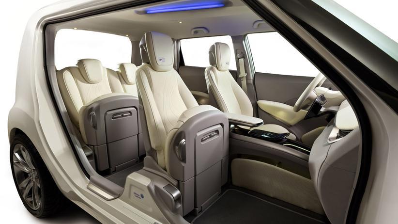 Besonders leichte Autositze von Johnson Controls in einem Testwagen