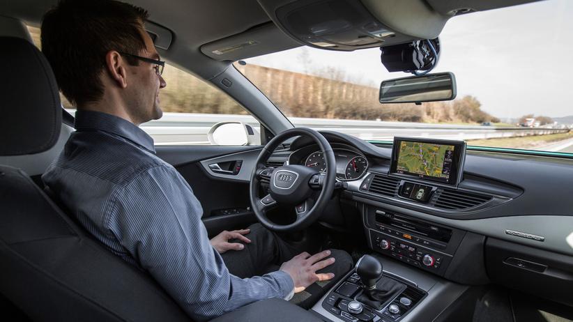 Autonomes Fahren: Mobilitaet, Autonomes Fahren, Autonomes Fahren, Audi, Ingolstadt, Smartphone