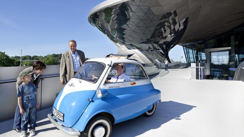 Isetta: Mobilitaet, Isetta, Oldtimer, BMW, Italien, Schweiz, Österreich