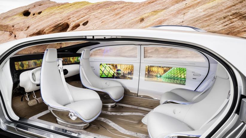Innenraum des Mercedes-Forschungsautos F 015